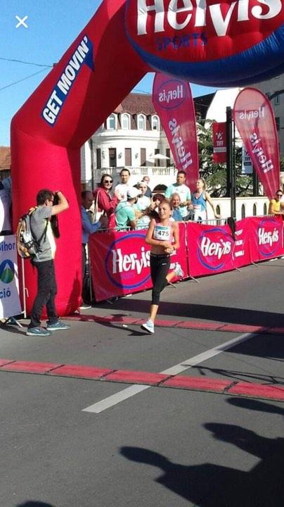 Tânăra speranţă a atletismului bihorean, Kiss Kamilla, pe primul loc la Oradea City Running Day! (FOTO)