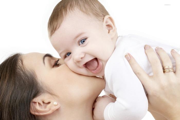 Mamele vor obţine alte venituri, pe lângă indemnizaţia de creştere a copilului