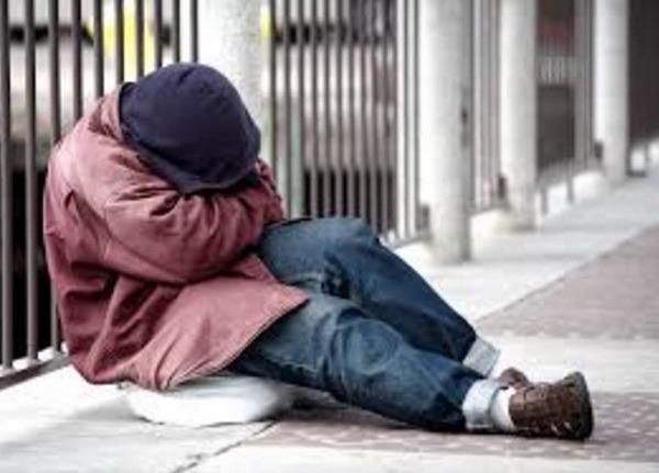 Orădenii sunt rugaţi să îndrume oamenii străzii spre adăpostul de noapte din strada Gutenberg