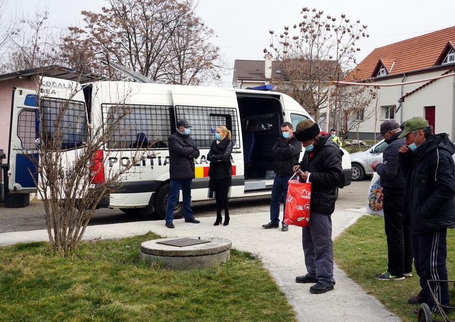 Poliţiştii au ridicat din Oradea 48 de cerșetori, în două zile (FOTO)