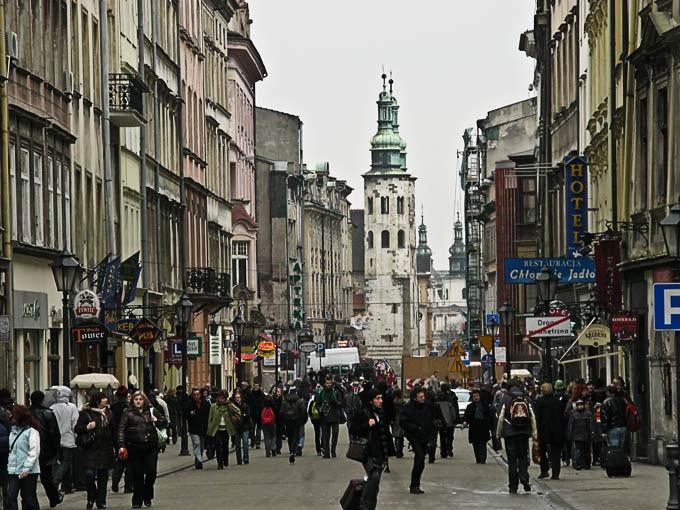 Sondaj: Polonezii îi detestă pe români aproape la fel de mult ca pe romi