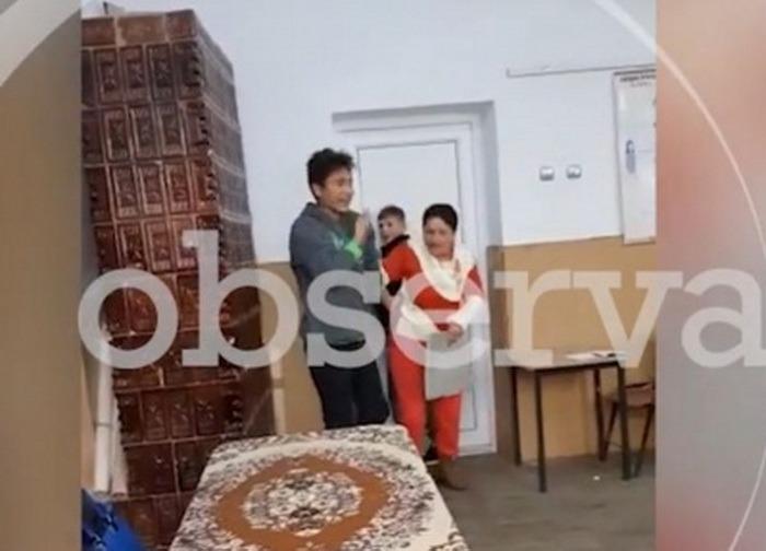 Caz şocant într-o școală din Teleorman! O profesoară a fost batjocorită și bătută de elevi (VIDEO)