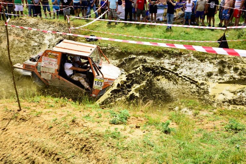 Spectacol off-road: Cupa Bihor 4x4 va aduna peste 30 de echipe din toată ţara, la Hidişelu de Sus (FOTO)