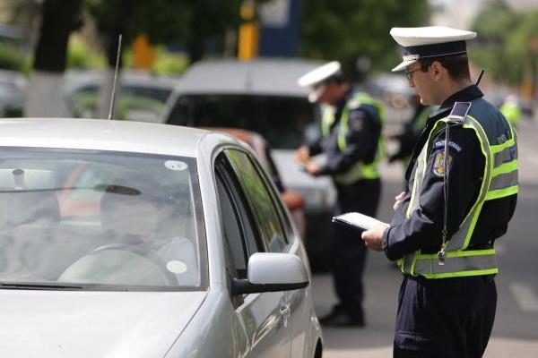 Razie pe şosele: sute de vitezomani şi imprudenţi au plătit scump greşelile din trafic