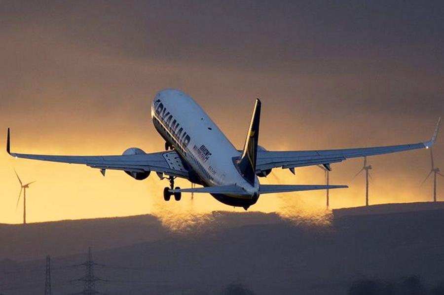 foto: Facebook, Ryanair, @km_aviation (IG)