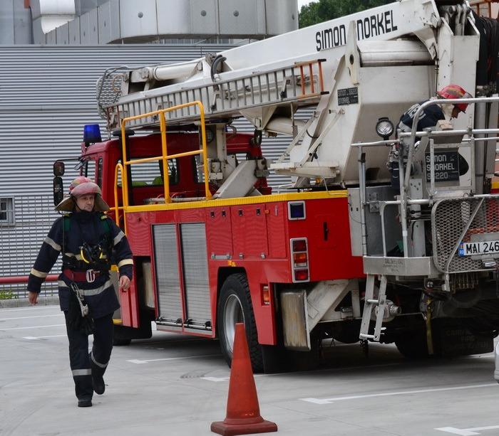 Bătrânică din Oradea căzută în propriul apartament, salvată de pompieri după patru zile de chin