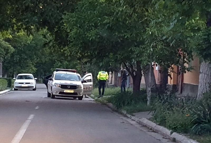 Scandal cu pumni şi cuţite în Oradea: Două persoane au ajuns la spital, iar 5 la sediul Poliţiei (FOTO)