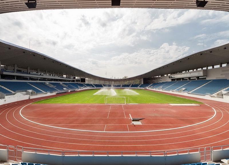 Un stadion ca la ţară