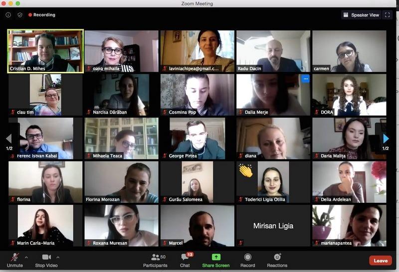 """SE POATE! Facultatea de Drept din Oradea a organizat tot de la distanţă şi conferinţa """"Studenţii de azi, profesioniştii de mâine"""". Profesorii şi studenţii orădeni, dar şi invitaţi din alte centre universitare, şi-au prezentat lucrările prin videoconferinţă pe Zoom"""
