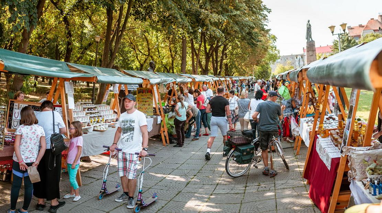 O nouă ediție a Târgului cu produse tradiționale din Valea Ierului la Oradea