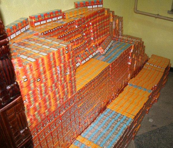 Verdict în procesul celor mai prolifici contrabandişti de ţigări din Bihor: 32 de ani de închisoare pentru un tun de 3,5 milioane de lei