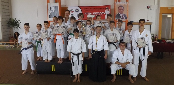 Sportivii de la U.A.M.T - AGORA Oradea au dominat prima ediție a Cupei Arhicon la karate tradițional