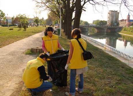 Orădenii, îndemnaţi la implicare în Săptămâna Voluntariatului