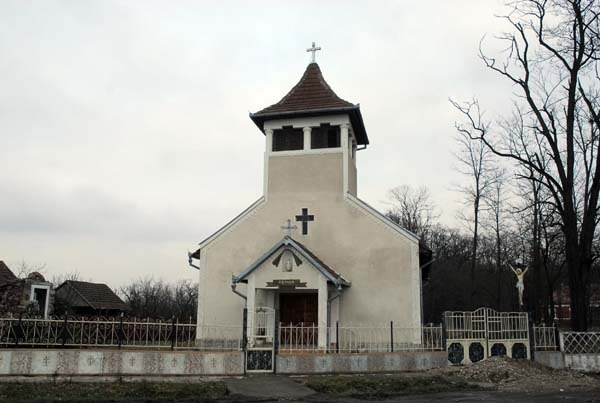 02 biserica noua.jpg