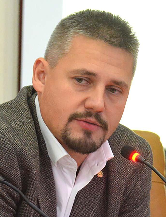 directorul Agenţiei Judeţene pentru Ocuparea Forţei de Muncă Bihor, BékésiCsaba