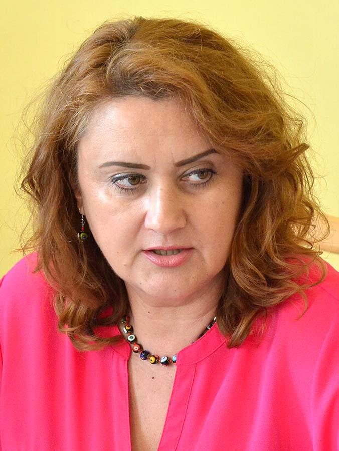 Angela Lupsea, directoarea Muzeului orasului Oradea