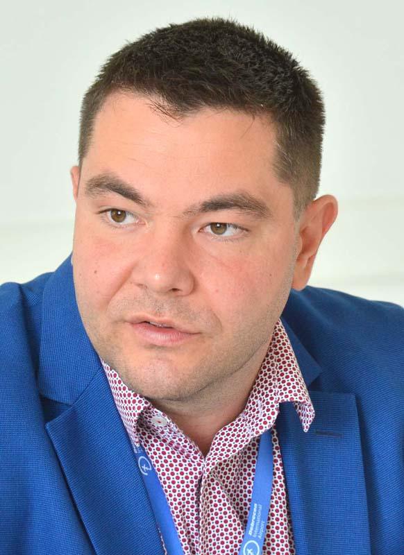directorul executiv al Aeroportului Debreţin, Vajda János