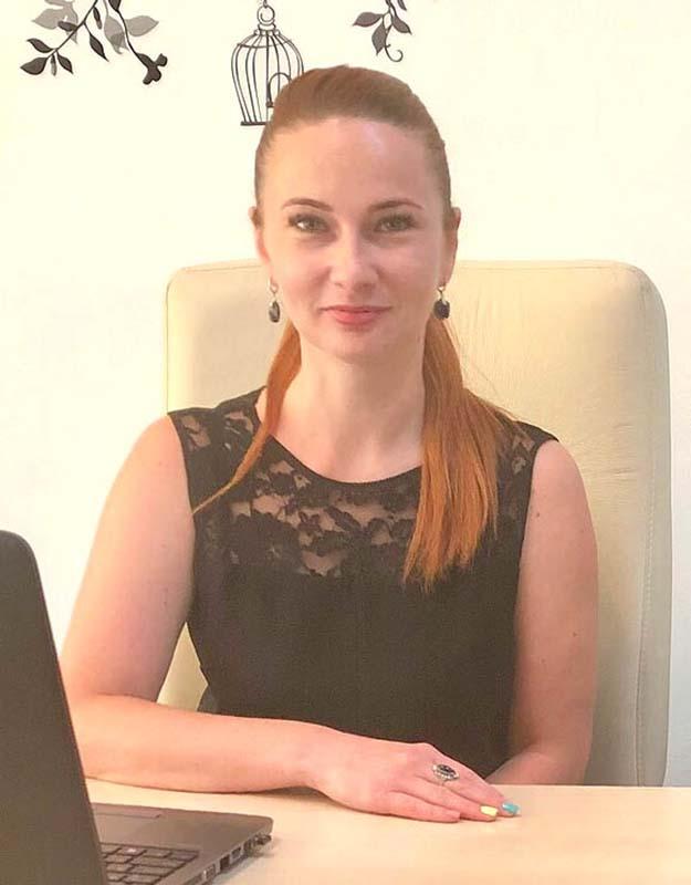 Alexandra Puiu, reprezentant al Coral Impex.