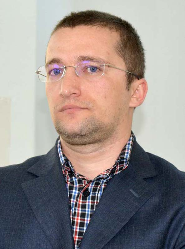 medicul dentist Sebastian Lascu
