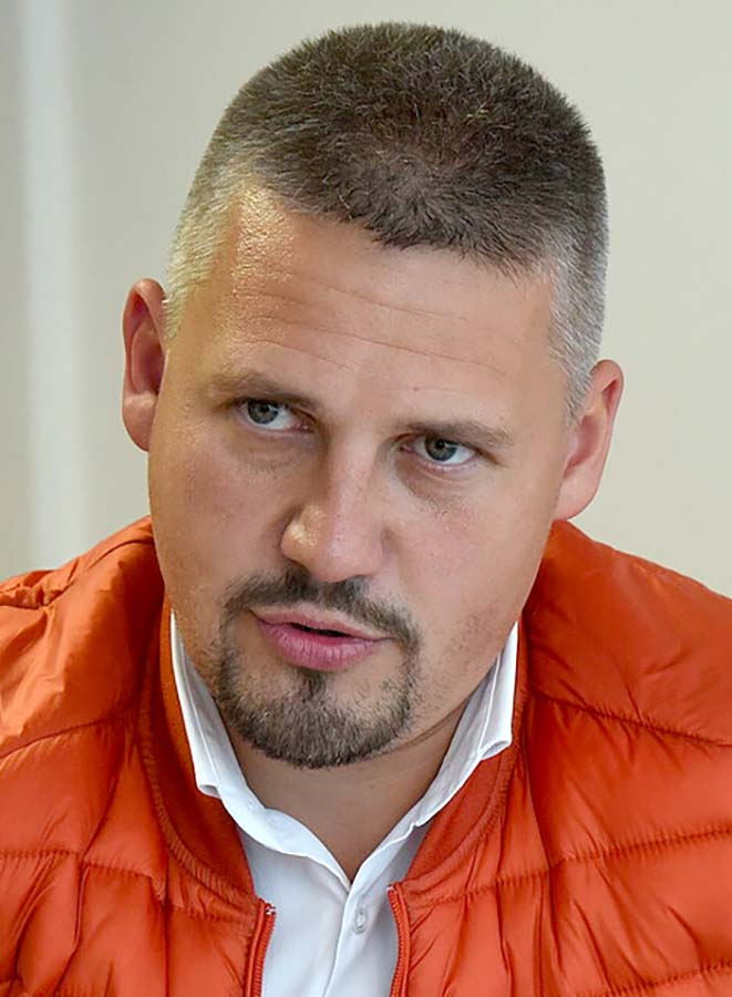 directorul Agenţiei Judeţene pentru Ocuparea Forţei de Muncă Bihor, Békési Csaba