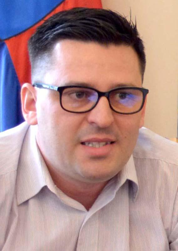 Cristian Lucaci, administratorul asociaţiei R4