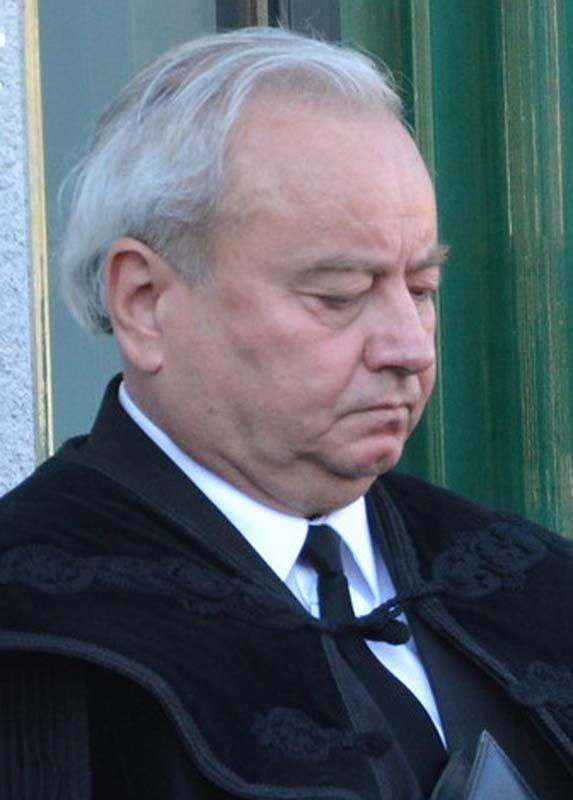 episcopul reformat Csűry István