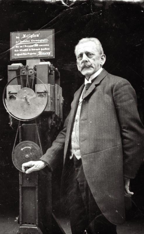 proiector inventat de germanul Max Skladanowsky