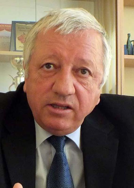 Gheorghe Troie, directorul Şcolii Bălcescu din Oradea
