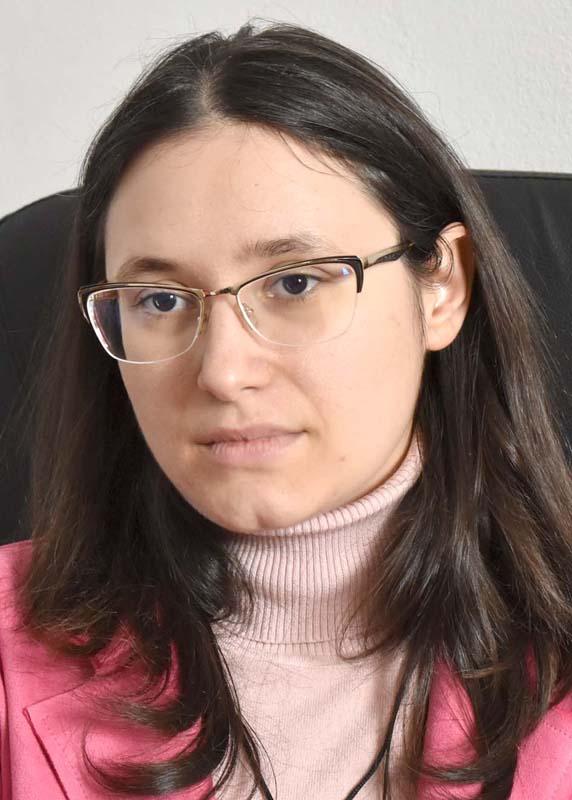Ioana Ştefan, director şcoală Sâmbata