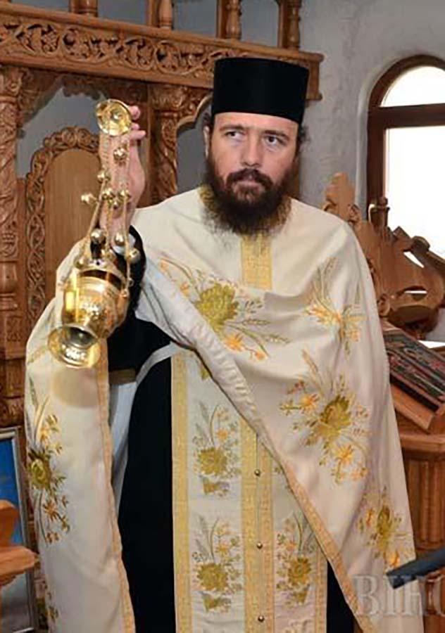 arhimandritul Mihail Tărău, stareţul Mănăstirii Izbuc