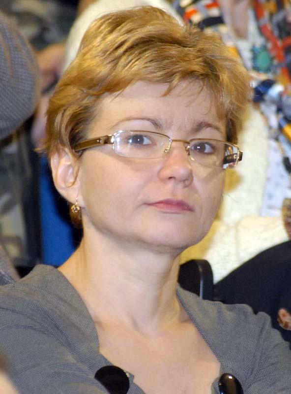 decanul Facultăţii de Ştiinţe Economice, Alina Bădulescu