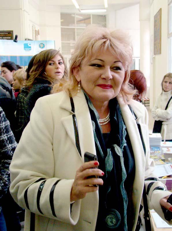 Lucia Pojoca, director al unei sucursale a Băncii Transilvania în Oradea