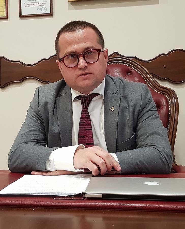 Răzvan Doseanu, avocat