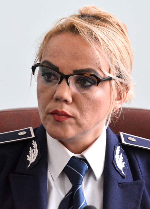 purtătorul de cuvânt al Poliţiei Bihor, comisarul Alina Dinu