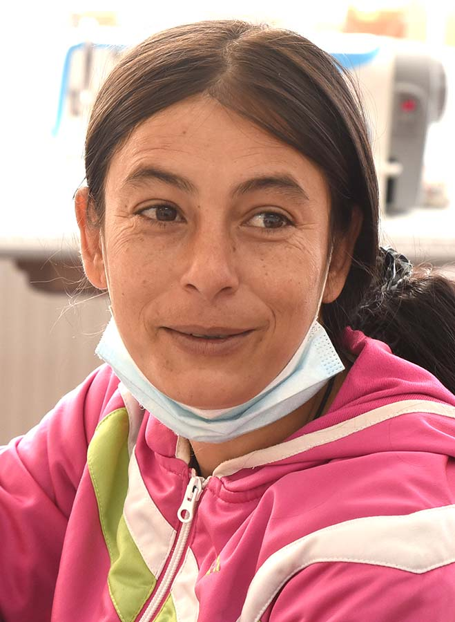 Ioana Rostaş voluntara la Centrul Shukar