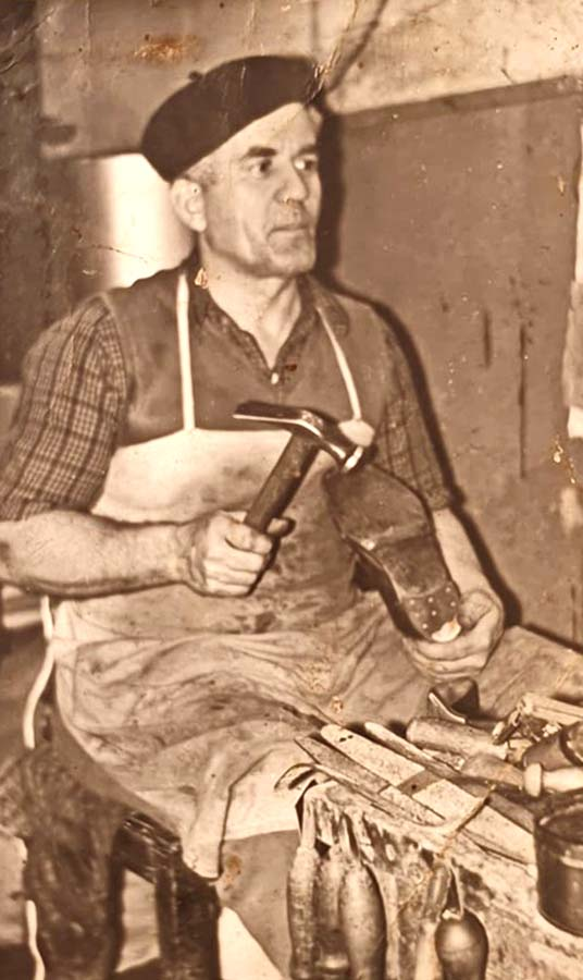 Florian Pavel, bunicul pantofar