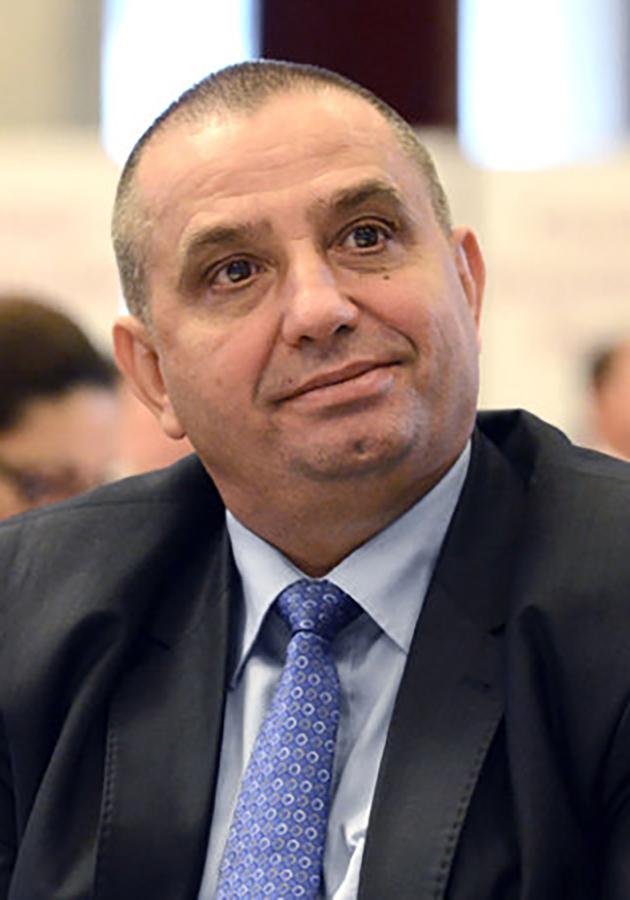 patronul Unicarm, Vasile Lucuţ