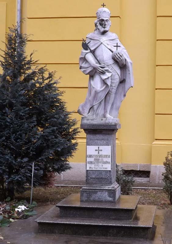 statuie Regele Ladislau