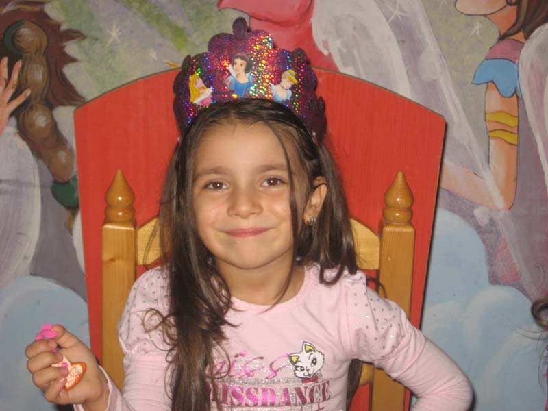 Patricia Aktaa, fetița moartă din cauza Salmonella la Oradea