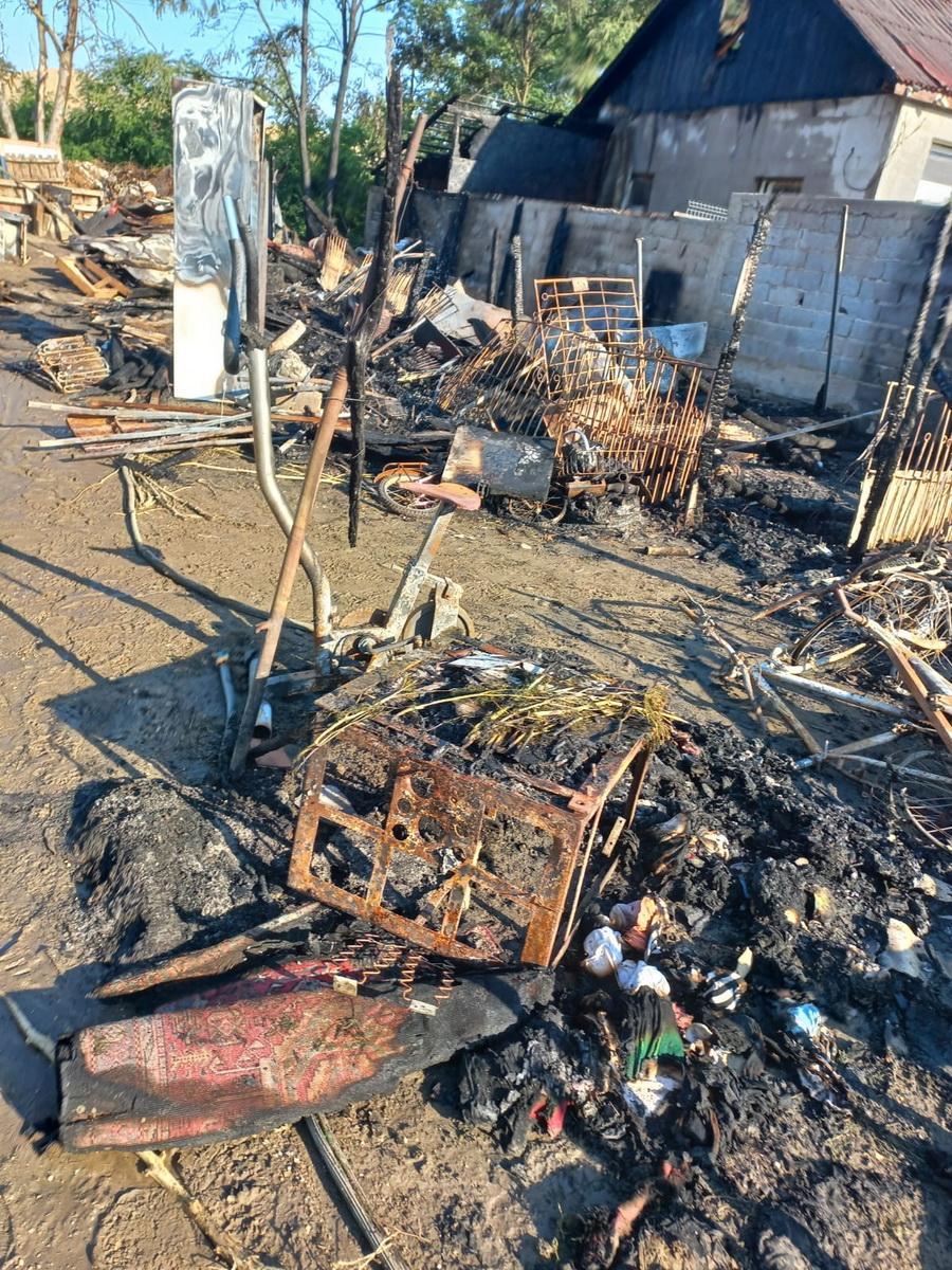 Ce a rămas după incendiu casa Borș