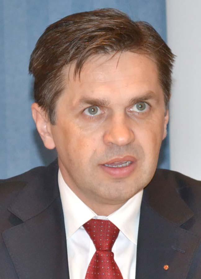 Octavian Dan, consultant în afaceri