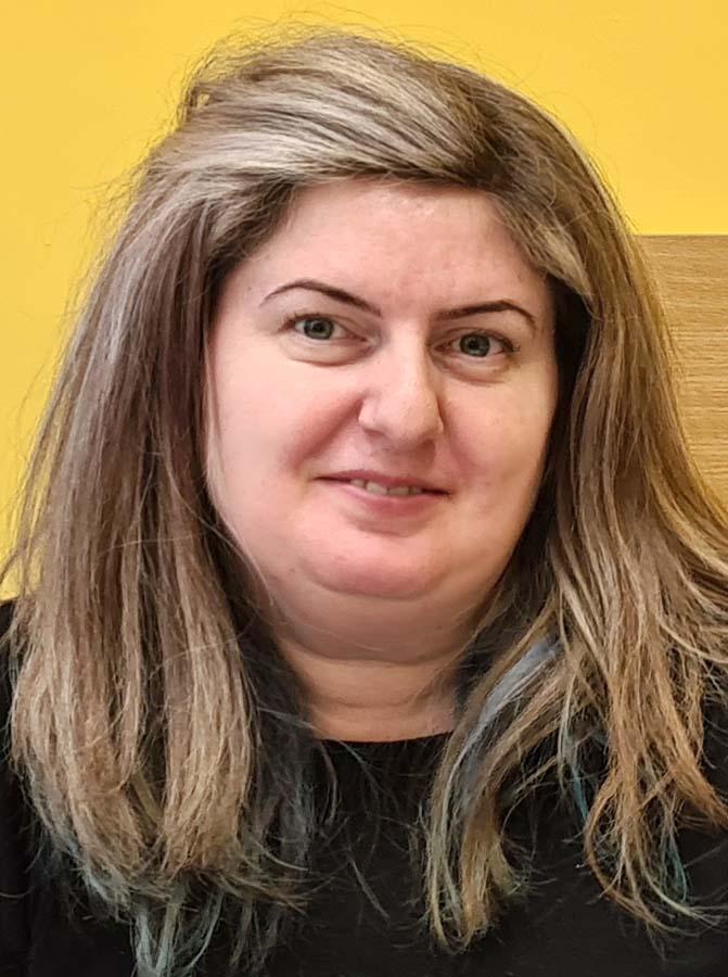 Carmen Cosma, profesoară
