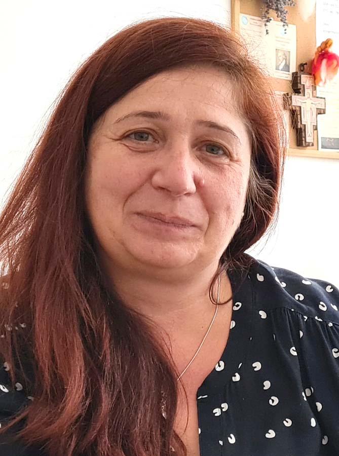 Ellenes Emese, profesoară