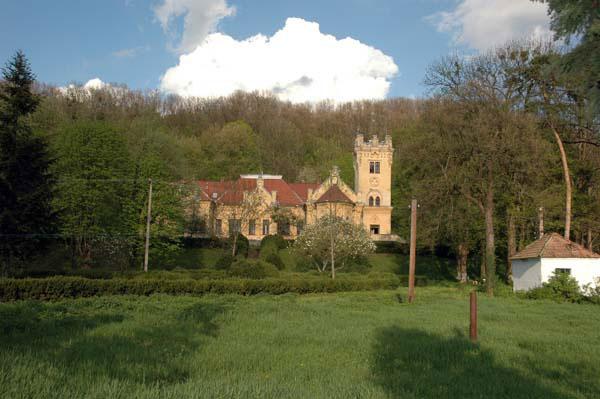 12-castelul-gheghie.jpg