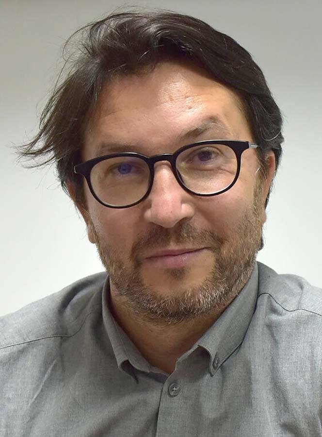 Adrian Hagiu profesor universitar