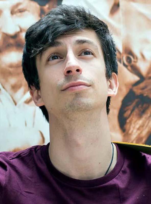 Alex Stefanescu, actor cunoscut din emisiuni