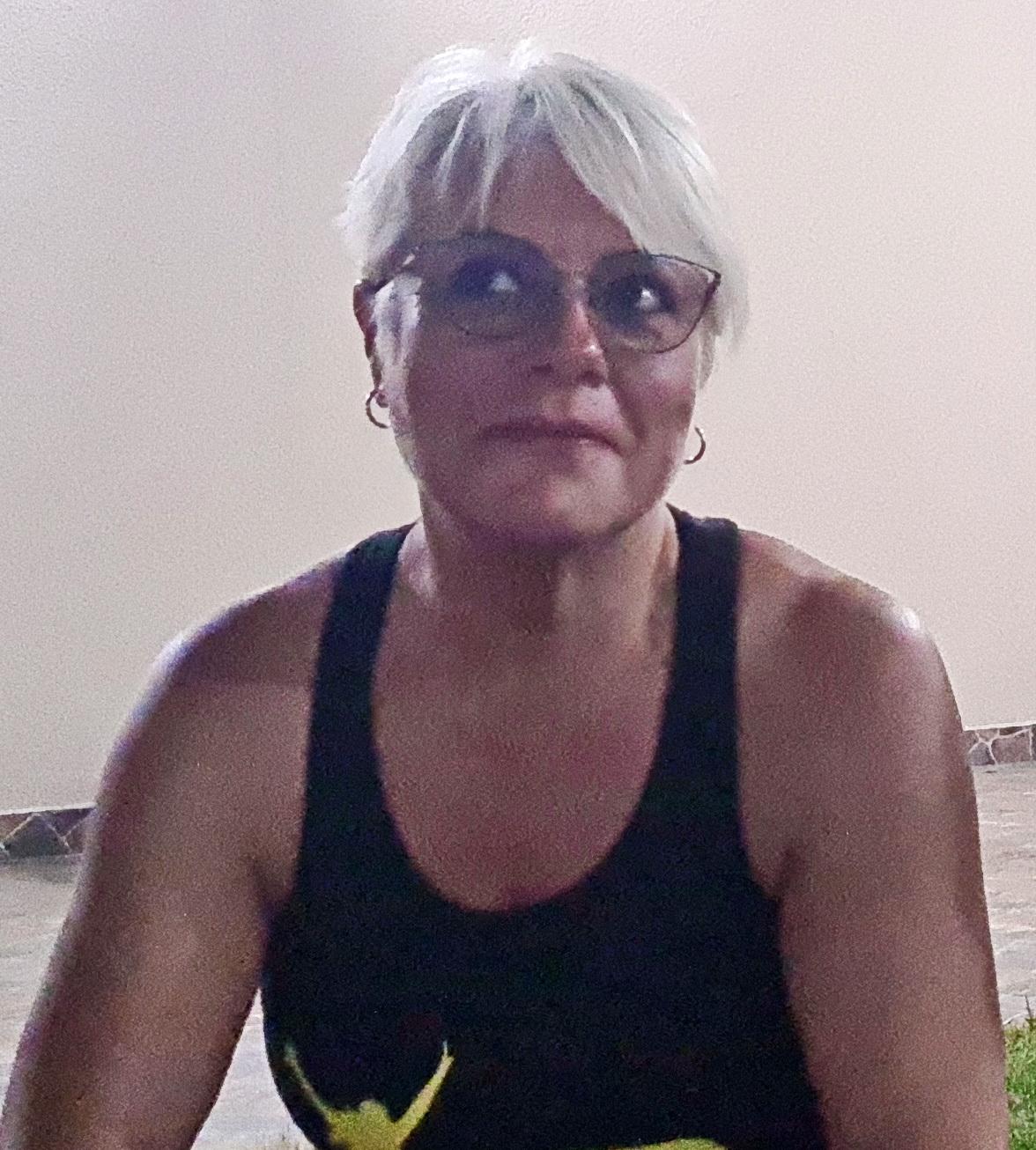 Csilla Miklos contabila