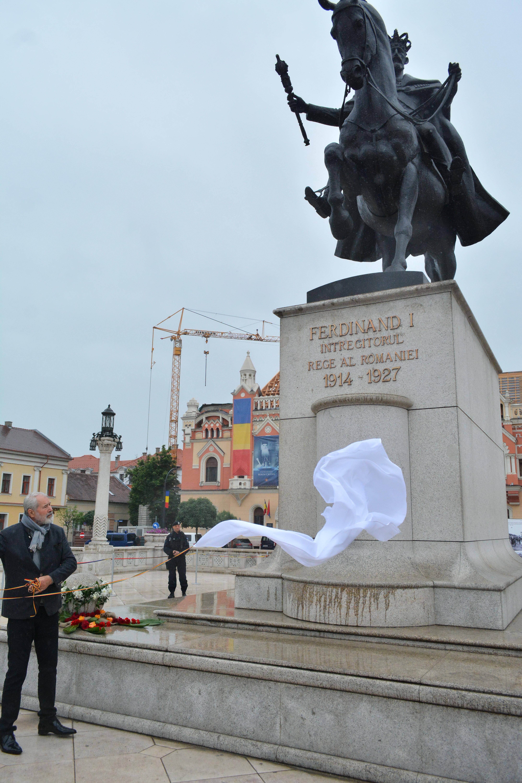 Florin Codre, sculptorul statuii Regelui Ferdinand din Oradea.
