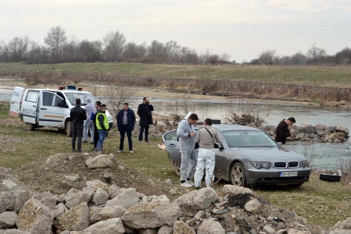 BMW-ul cu fata împușcată în Oradea, găsit pe malul Crișului Repede