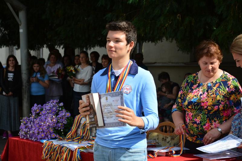 Marc Şurtea, elev Oltea Doamna